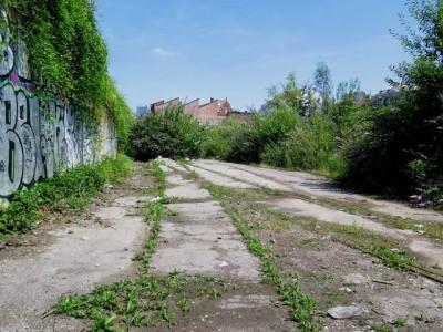 le tunnel existant: une opportunité à saisir! Il est le chaînon essentiel d'un cheminement doux reliant les quartiers. Forest visionnaire?